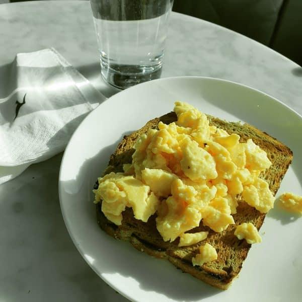 Qantas Business Class Lounge - Melbourne Domestic (Breakfast) - qantas business class lounge