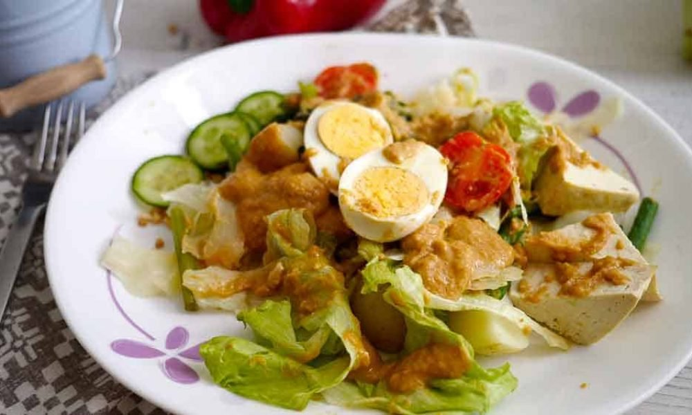 Salads of the World: Thai Beef Salad - Nutted Out Nutrition - Gado Gado